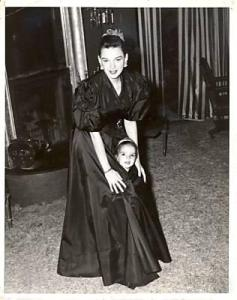 """Judy Garland and Liza Minnelli in their matching """"The Pirate"""" costumes"""