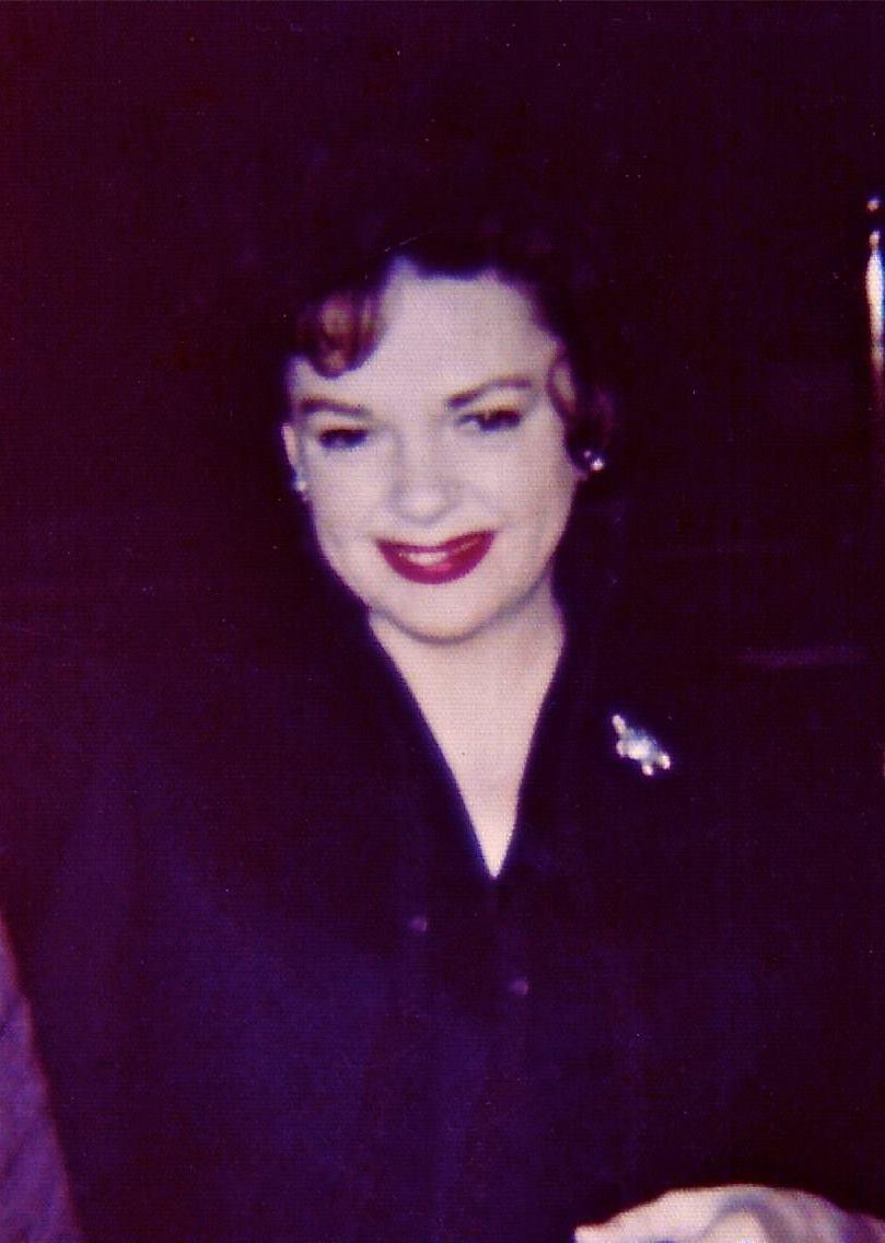 Elisabeth Sladen (1946?011) photo