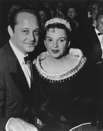 """Judy Garland and Sid Luft at the premiere of """"A Star Is Born"""" (1954)"""