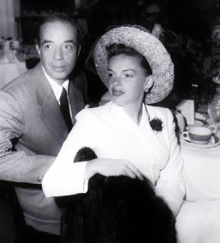 Judy Garland and Vincente Minnelli on Easter Sunday at the Beverly Hills Hotel on April 21, 1950