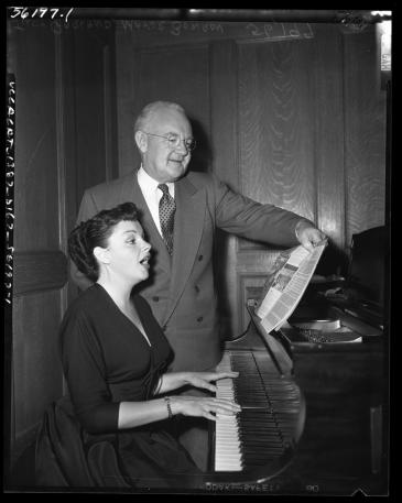 Judy Garland with Los Angeles Mayor Bowron April 30, 1952