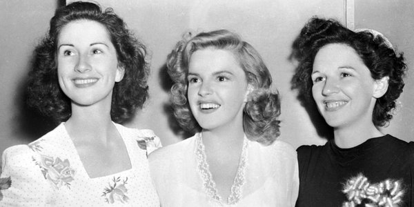 Judy Garland and her sisters on the set of