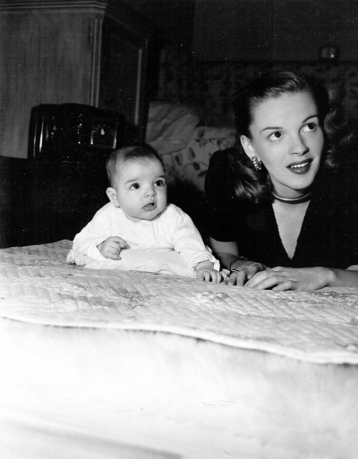 Judy Garland and Liza Minnelli, May 1946