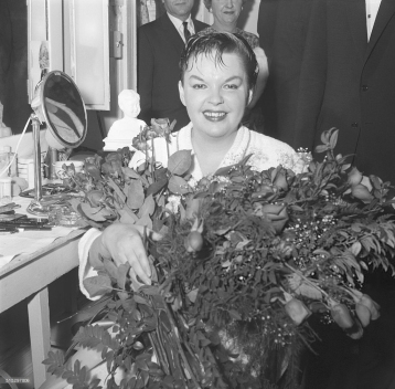 May 11, 1959 Judy at the Met 1