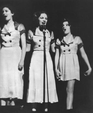 May-15,-1935-Paramount-Theater
