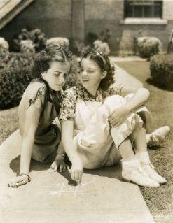 Judy Garland and Deanna Durbin in Every Sunday