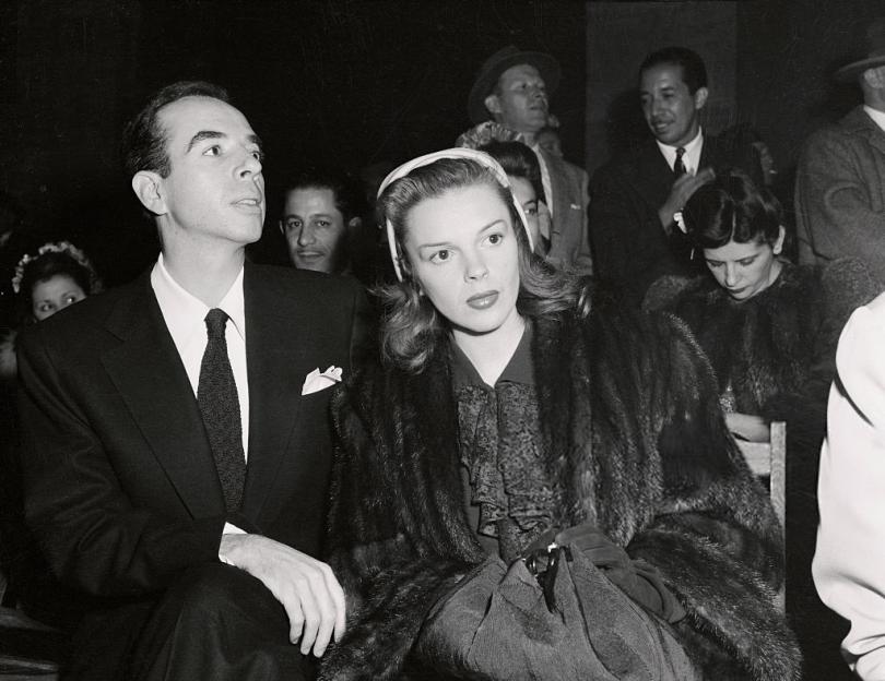 June-9,-1946-homecoming-show-in-Los-Angeles-Memorial-Coliseum