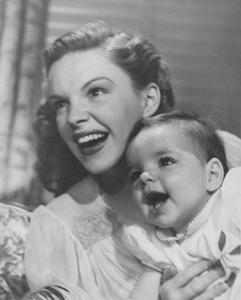 Judy-Garland-and-Liza-Minnelli