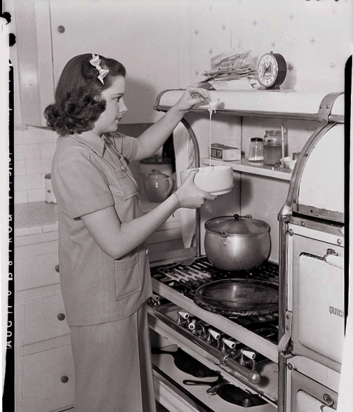 August-24,-1938-Cooking
