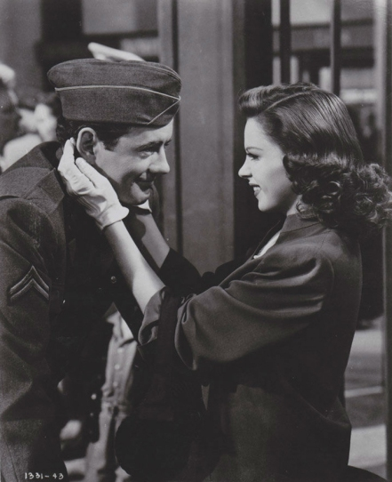 Judy Garland Robert Walker The Clock.jpg