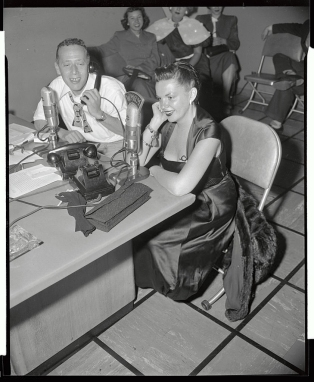 (Original Caption) Judy Garland, (1922-1969), movie star, is shown here making her first appearance since her attempted suicide, on the Jack Eigen Show this morning.