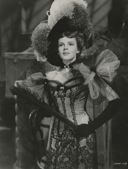 Judy-Garland-in-Babes-on-Broadway