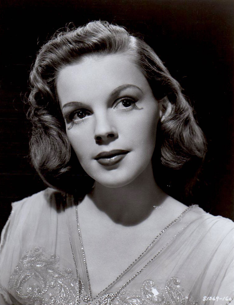 Judy-Garland-Till-The-Clouds-Roll-By