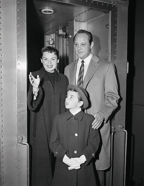 October 8, 1954 Liza and Sid arrive 20th Century in NY for ASIB Premiere