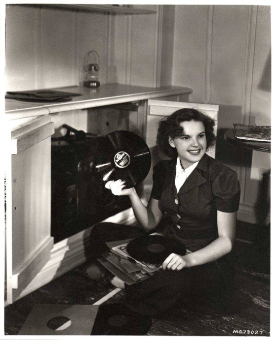 Judy and her records MGM promo