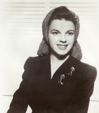 Judy-Garland-and-her-Snood-2