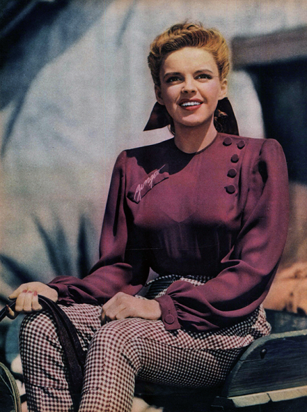 Judy-Garland-on-the-MGM-backlot-for-Girl-Crazy