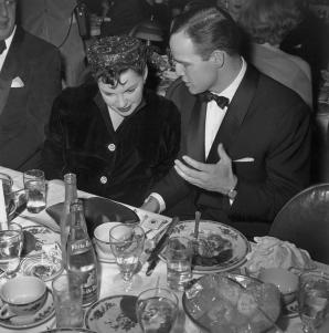 February-24,-1955-Golden-Globes-Brando-4