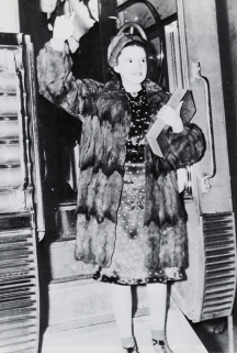 February-25,-1938-1938-TOUR-fur-on-train-2
