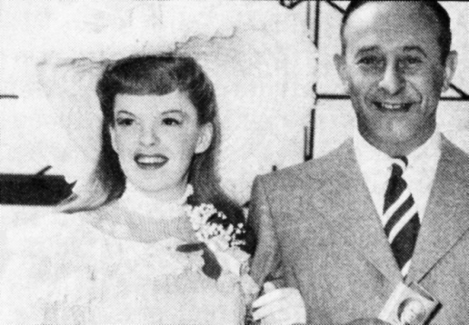 Judy-Garland-and-Arthur-Freed-Meet-Me-In-St-Louis