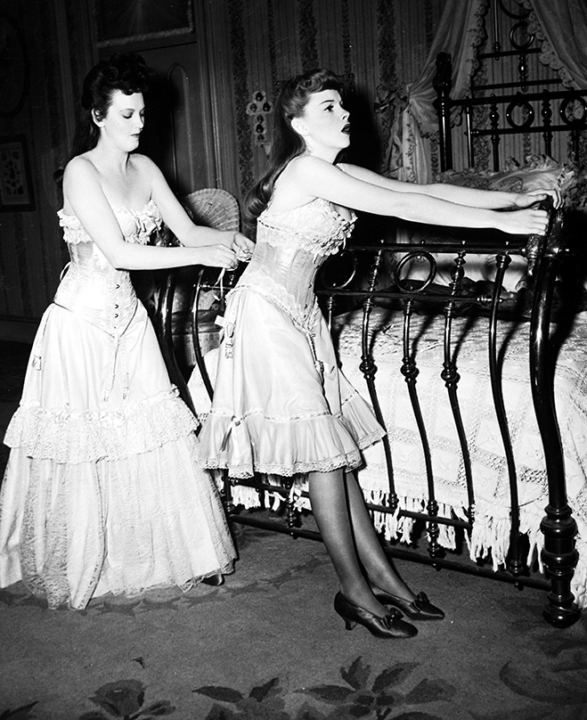 Judy-Garland-and-Lucille-Bremer-2