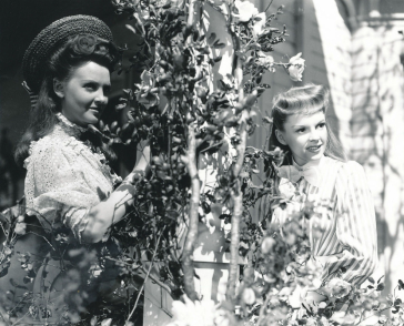 Judy-Garland-and-Lucille-Bremer