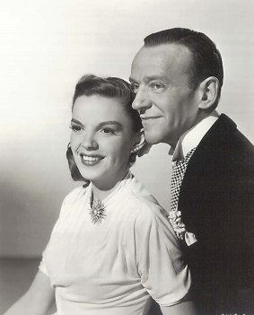 Judy-Garland-and-Fred-Astaire-in-Easter-Parade