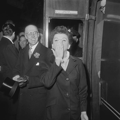 March-5,-1963-Arriving-London-3