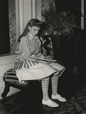 Judy-on-the-set