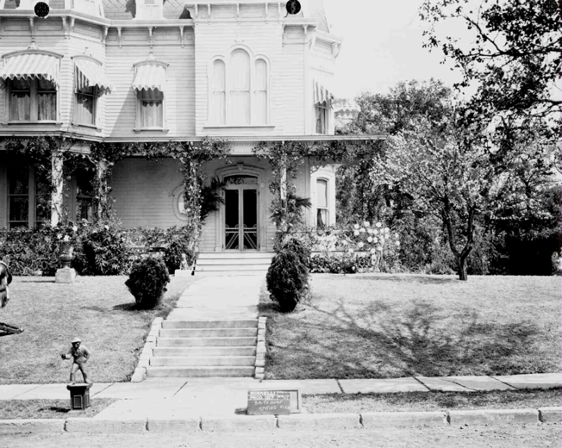 """The Smith family home set on the recently built """"St. Louis Street"""" on MGM's Backlot #3, built specifically for Meet Me In St. Louis."""